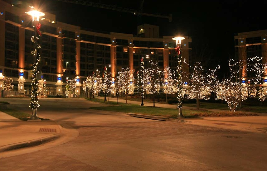 Commercial Lighting Projects - Holidynamics - Holiday Lighting ...